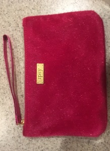 ipsy-dec-2016-glam-bag-wristlet